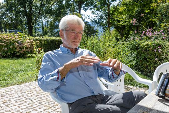 """""""Insekten verzeihen keine schlechte Haltung"""", sagt Michael Boppré. Foto: Ingeborg F. Lehmann"""